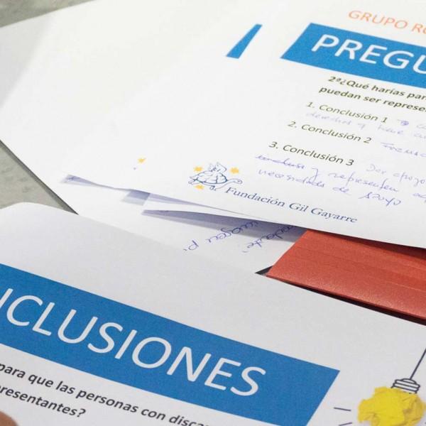 Fotografía del proceso de elaboración de las conclusiones de la Jornada sobre autogestión y auto representación de las personas con discapacidad intelectual